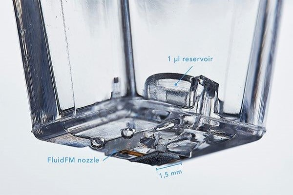FluidFM probe consumable integrating reservoir and micro- or nano- meter sized FluidFM nozzle/printing tip